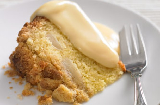 Cinnamon apple and pear crumble cake
