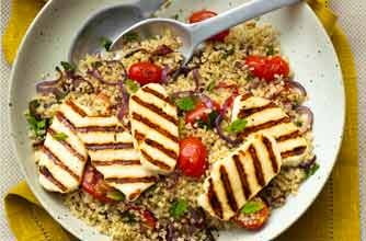 Quinoa salad with Halloumi cheese