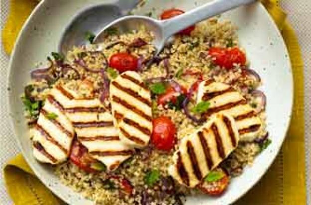 Quinoa salad with Halloumi cheese