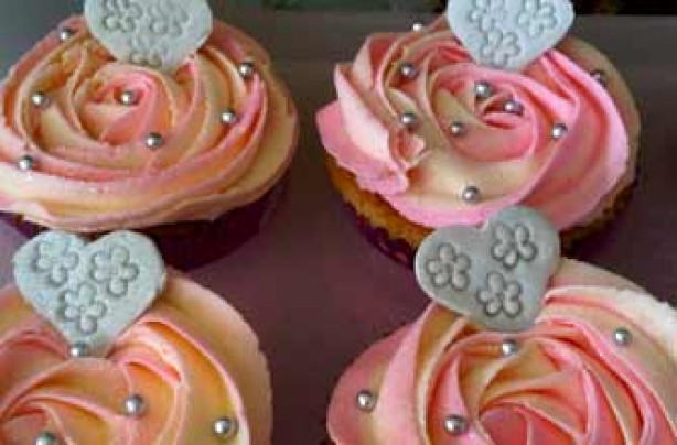 Joanne McLoughlin's swirly pink cupcake recipe