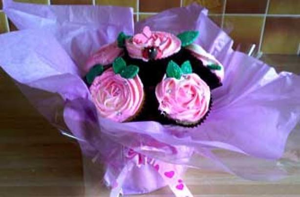 Joanne's pink cupcake bouquet