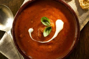 Roast tomato soup with beans and basil