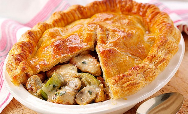 Turkey, leek and mushroom pie