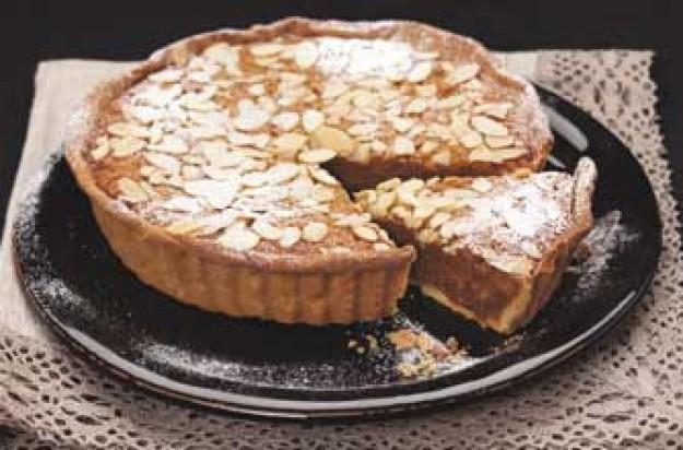 Amaretti treacle tart