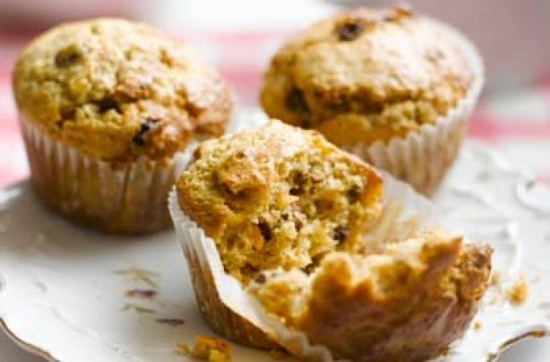 Carrot and raisin muffins recipe