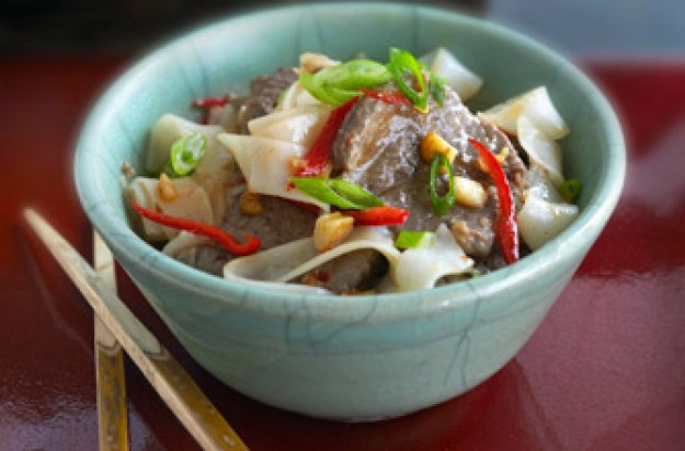 Ken Hom's Stir-fried rice noodles with beef chilli bean sauce
