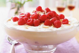 Raspberry trifle recipe - goodtoknow