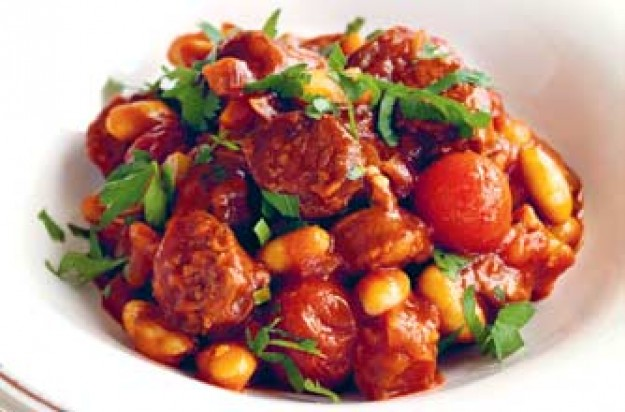 Chilli beans with chorizo and beans