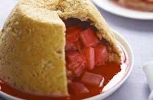 Steamed rhubarb pudding