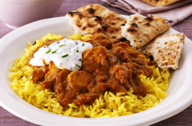 Chicken madras curry with sour cream and chive dip