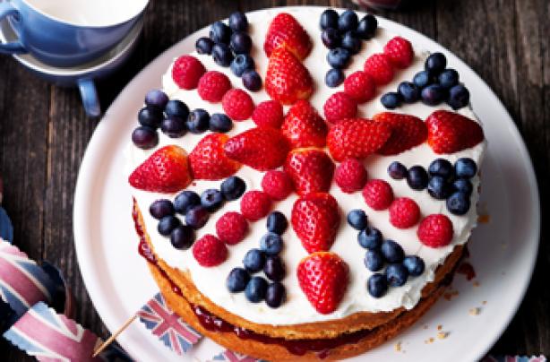 60 jubilee cakes and bakes   kirstie allsopp s union jack