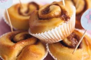 Woman's Weekly Simple cinnamon whirls