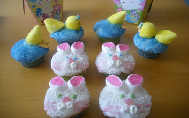 cakes. easter cakes,