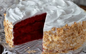 20 easy ways to decorate a cake nuts goodtoknow for Easy red velvet cake recipe uk
