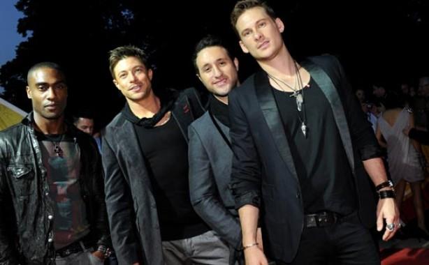 Eurovision 2011: Blue