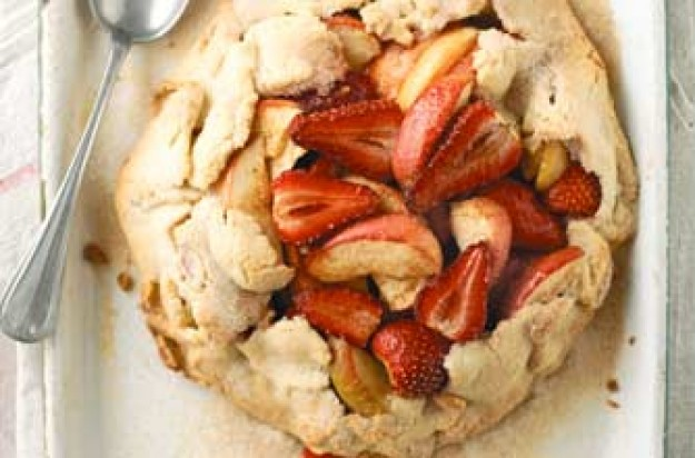 An easy dessert with delicious, sweet apple and strawberries wrapped in short crust pastry. This is baked and serves 6. A great dessert or a snack.