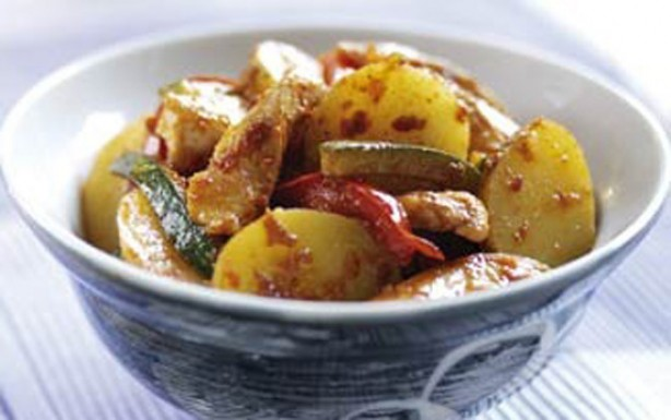 Mediterranean chicken and potato stir-fry