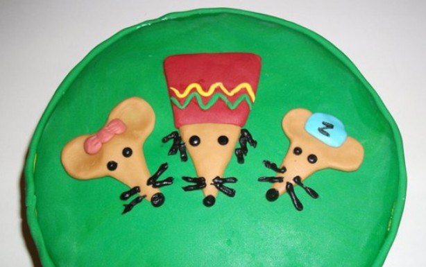 Kelly Douglass' Rastamouse cake