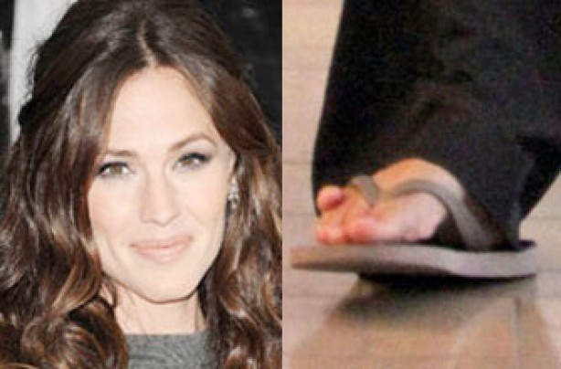 Jennifer Garner's feet