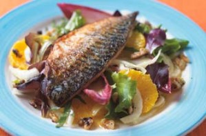 A refreshing leafy salad served with midly fried mackerel fillets. This recipe serves 4 and can be eaten hot or cold, as a starter or main.