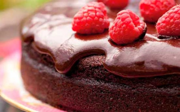 Annabel Langbein's ultimate chocolate cake
