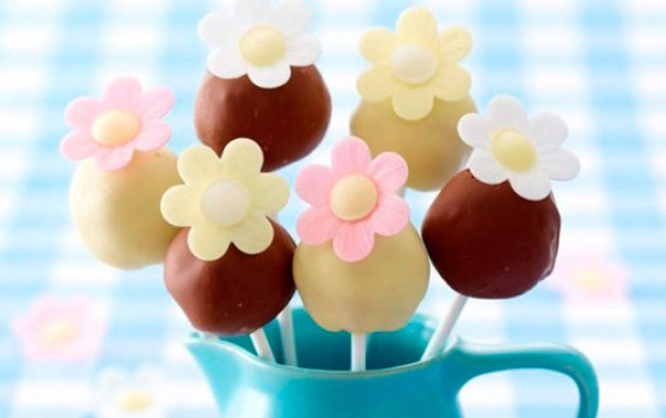 Petal cake pops