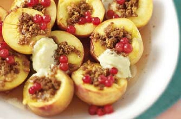 Baked peaches with clotted cream