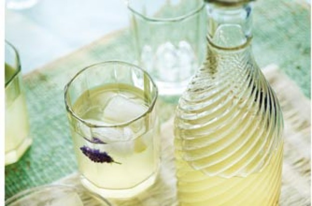 A sweet and yet tangy drink with a lavender flavour. This is a great drink for any occassion.