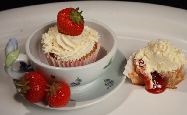 Brea Dalkin's cream tea cupcakes