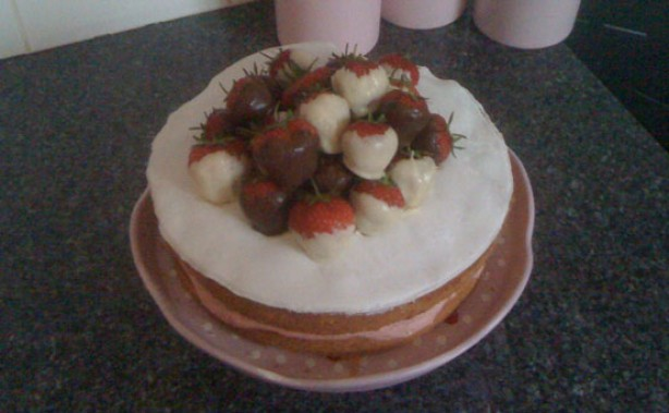 Mrs Devine's Fabulous Strawberry Sponge Cake