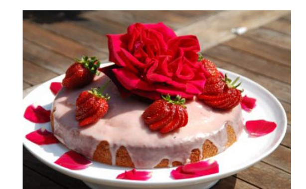 Strawberry Tea flowercake