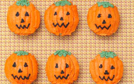 Pumpkin and maple cupcakes recipe - goodtoknow