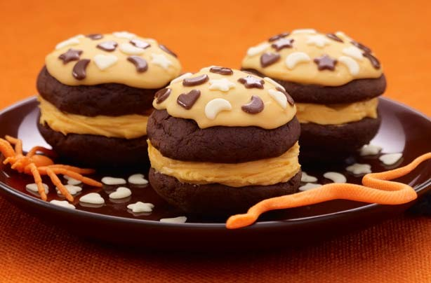 Halloween orange whoopie pies recipe
