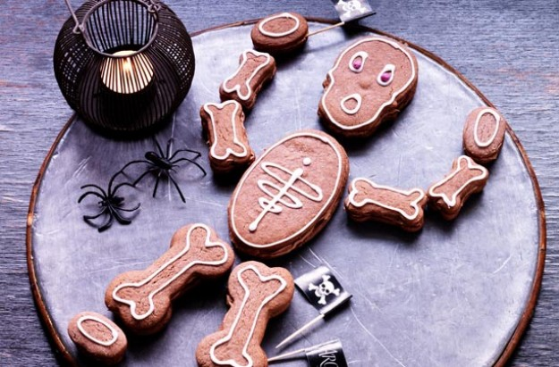 Kirstie Allsopp's skeleton biscuits