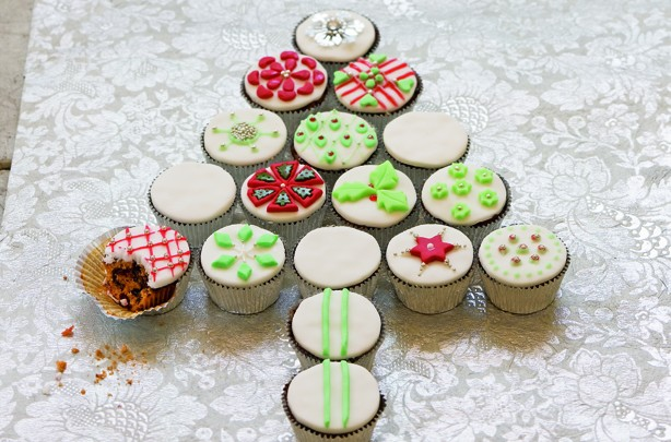 Mini fruit cakes