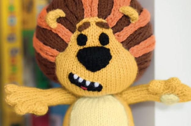 Lion Knitting Pattern : How to knit Raa Raa - The noisy lion - goodtoknow