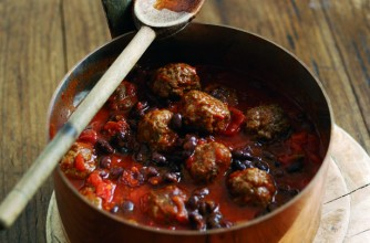 Tuesday night Chilli con carne meatballs