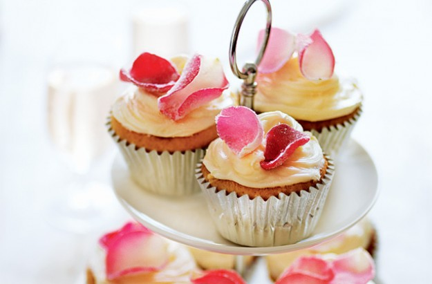 Rose and white chocolate cupcakes