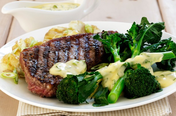 Steak with broccoli andl hollandaise sauce