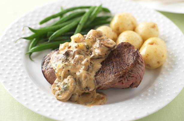 Steak with Stilton, mushroom and masala sauce