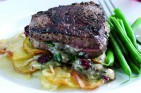 Fillet steak with Stilton and cranberries