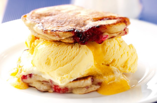 Pancakes with raspberry and peach sauce recipe