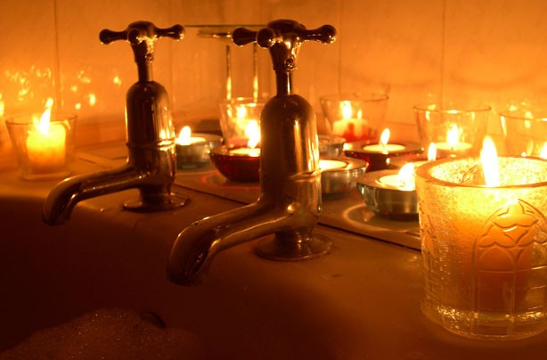 Candles around the bath