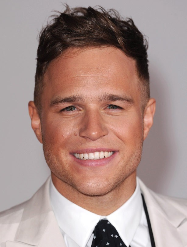 Olly Murs looking orange
