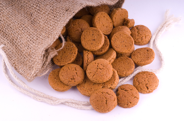 Paul Hollywood S Gingernut Biscuits Recipe Goodtoknow