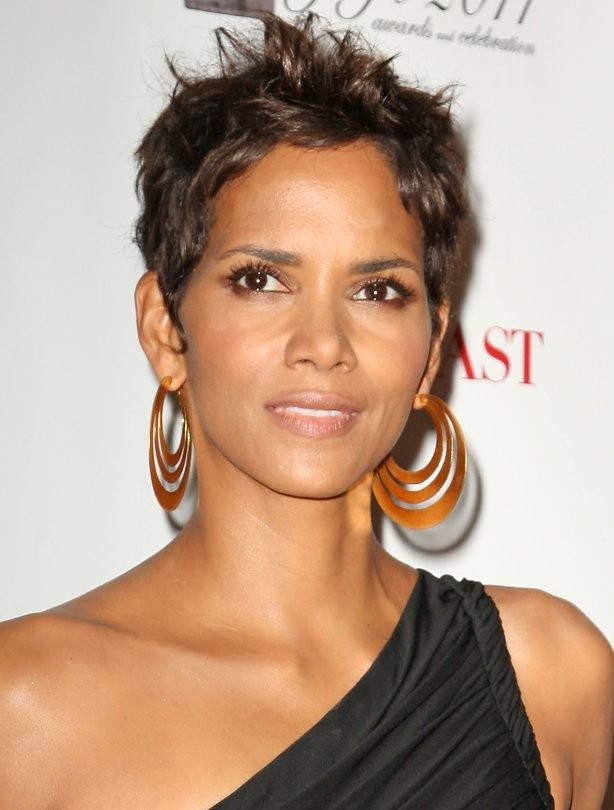 Short haircuts - Halle Berry