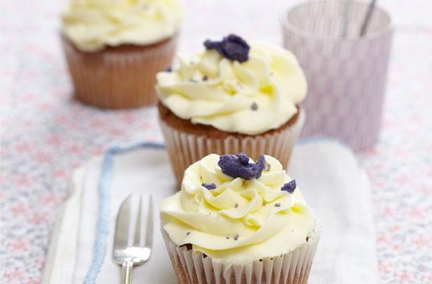 Violet cream cupcakes