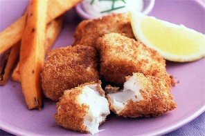 Crispy cod nuggets with sweet potato wedges, fish fingers recipe
