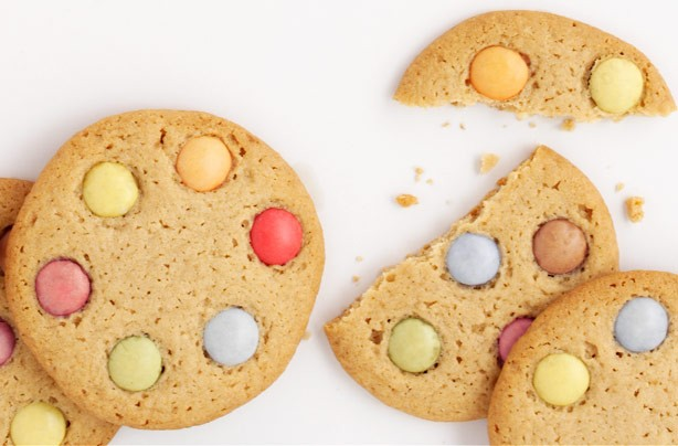 This brightly coloured biscuit is crunchy and fun to eat. This recipe makes 16 biscuits. It is very easy and cheap to make and can be stored in an air tight container for 3-4 days, if there are any leftover.