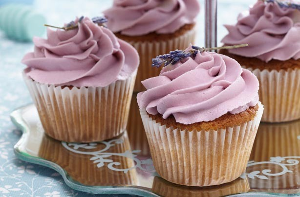 30 wedding cupcakes - Lavender and honey cupcakes - goodtoknow